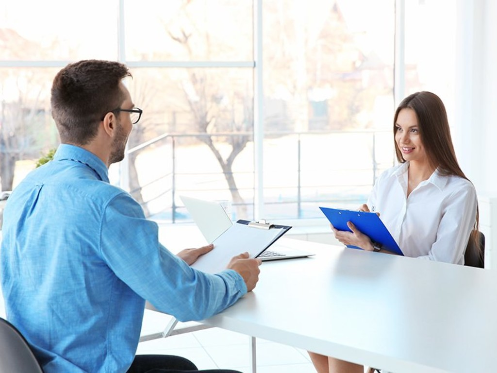 Should you hire an hr manager or recruiter ftrd32